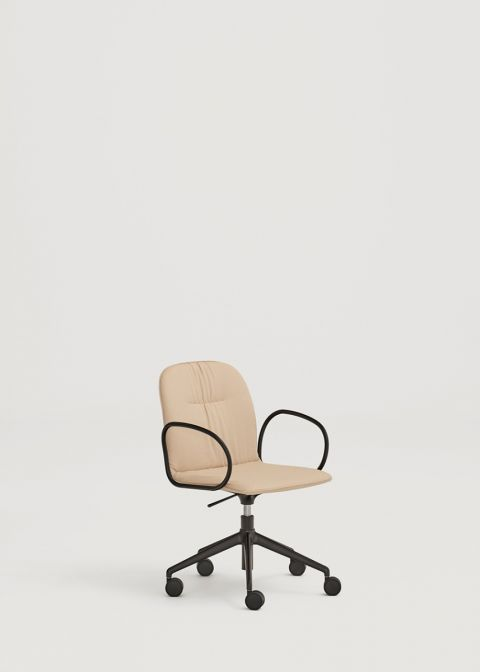 Loop chair with wheels and metal arms