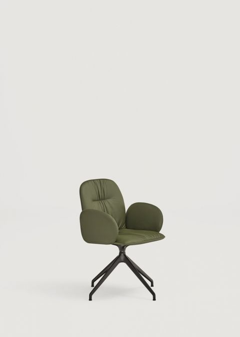 Loop chair with upholstered arms