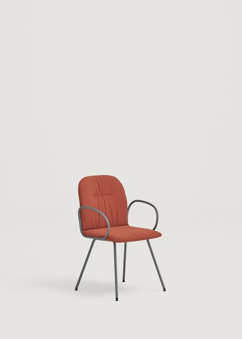 Loop chair with metal base and arms
